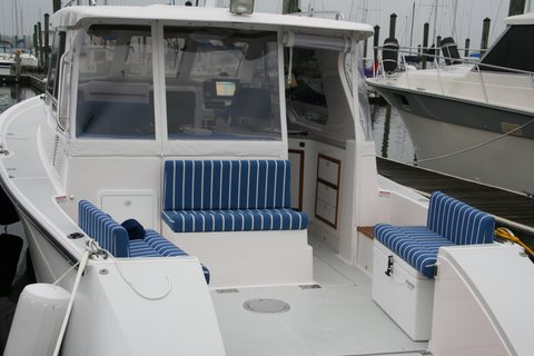 True North 34 cockpit